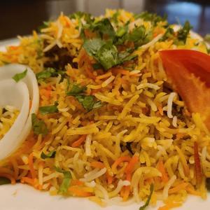 【カーンケバブビリヤニ@新橋】本格的なビリヤニを食べることができるインド料理店【ラム・ビリヤニ】