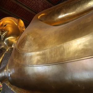 スワンナプーム空港トランジットホテルと地下鉄駅徒歩5分「涅槃像の寺ワットポー」。