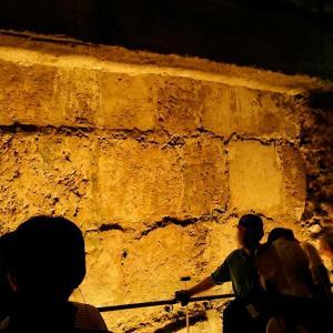 """""""聖地エルサレム""""旅行記ブログ-38  嘆きの壁の地下でエルサレム神殿跡を散策する編"""