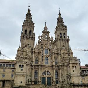 サンティアゴ・デ・コンポステーラ大聖堂周辺の広場を歩いてみる-ポルトガル旅行記-3