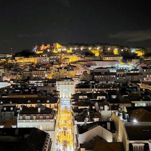 今宵はリスボン市内の美しい夜景を、サン・ジュスタのエレベーターから眺める-ポルトガル旅行記64