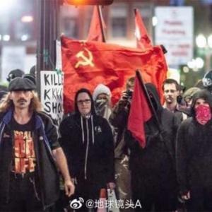 左翼アンティファと陶酔白人カルトのデモがキモい。