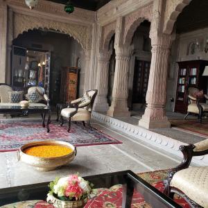 """バラナシが100倍好きになる♡至れり尽くせり5つ星ホテル""""ブリジラマ パレス BrijRama Palace Varanasi"""""""