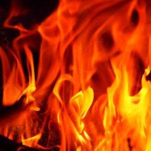 使い方を間違えると大変「電気ストーブ」による火災に注意!