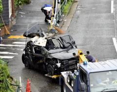 パトカー追跡の車がガードパイプに衝突、20代男女死亡 - 事件・事故掲示板|爆サイ.com関東版