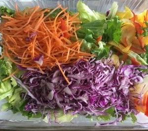 【コストコ】彩りたっぷりシェアサラダはカット野菜がたっぷた入ってお買得品!