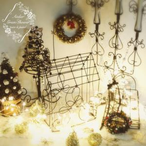 クリスマスコーナーをライトアップしました♪
