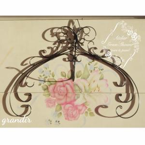 今月のチラ見せ作品はこちらです「Wreath Hook」