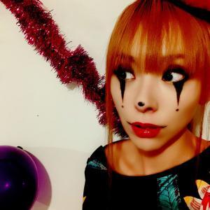 香港でハロウィン仮装!一方ランカイフォンのデモは大変なことに...