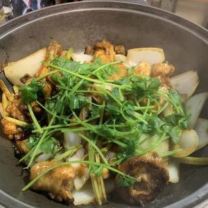 乾隆古法秘製雞煲での食べ方が判明したぞ!香港ローカル飯で人気のお店!