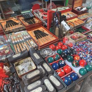 香港上環(ションワン)の観光スポット!キャットストリートには不思議な骨董品がいっぱい!