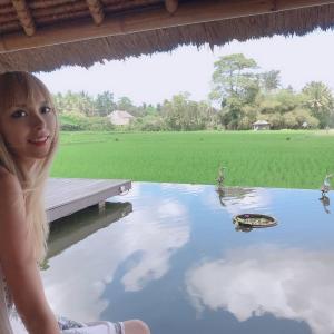 バリ島ウブドのレストラン!tabasariの水上デッキ席の景色がヤバい