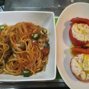 【おやじクッキング】トマト丸ごとサラダと夏野菜パスタで外食気分