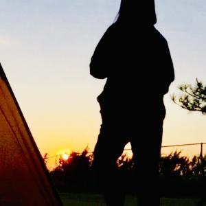 朝日が最高な海辺でライトなソロキャンプ