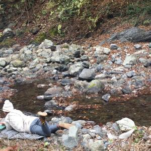 ロッジ神戸岩で河原に一人で寝転んでたヒロシヲタソロキャン女の話【ヒロシのぼっちキャンプ聖地巡礼ソロキャンプ 】