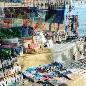 Holloways beach Market