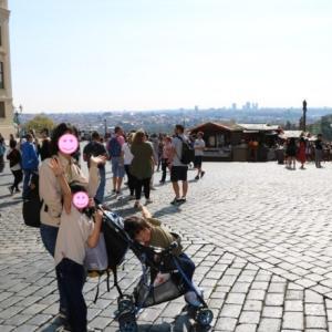 プラハ城ではフラチャニ広場の屋台ランチが激しくオススメ!~衛兵交代式見学は失敗~(2019.9 子連れチェコ・ドイツ旅 #59)