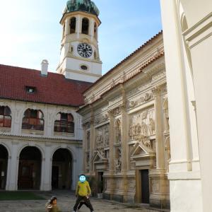 ロレッタ教会で「モルダウの流れ」の鐘を聴く(2019.9 子連れチェコ・ドイツ旅 #61)
