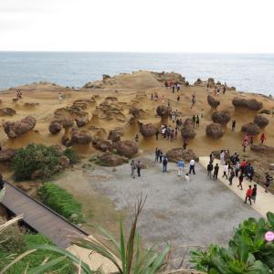 野柳地質公園で、海の奇岩とグルメとおみやげと(0歳4歳:子連れ台湾周遊旅 ♯6)