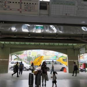 嘉義のローカル食堂で朝ごはんの後、普通列車で台南へ(0歳&4歳:子連れ台湾周遊旅 ♯33)