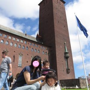 子連れ海外旅行中のケンカ仲直りのきっかけは、子どもから写真を撮ってもらったこと(1歳&4歳:子連れスウェーデン・フィンランド・エストニア旅 ♯13)