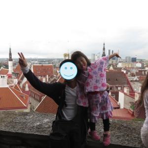 タリン:超有名コフトウッツァ展望台からの世界遺産の眺め、からの焦り(1歳&4歳:子連れスウェーデン・フィンランド・エストニア旅 ♯68)