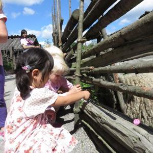 ストックホルム:スカンセン野外博物館でパパにモヤモヤ(1歳&4歳:子連れスウェーデン・フィンランド・エストニア旅 ♯86)