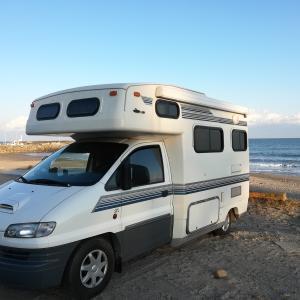 キャンプ=テントは絶対ではない。キャンピングカーで車中泊キャンプも最高に楽しい!