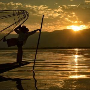 【ミャンマー⑤:ニャウンシュエ】インレー湖行くなら早朝ボートツアーがオススメ!