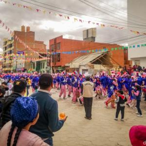 【ウユニ】お祭りカルナバルとアタカマ抜けツアー申し込み