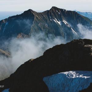 """登山で""""単焦点""""1本なら「50mmマクロ」がおすすめ!作例とともに理由を紹介します"""