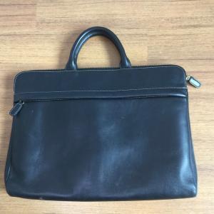 MacBook Proの持ち運びに最適な「TRION」本革ビジネスバッグを3年使ってみて。