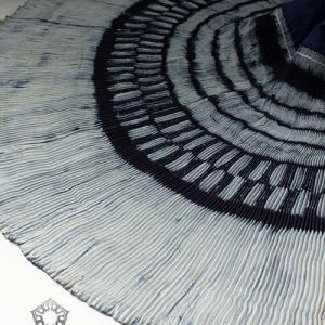 【少数民族衣装】美しさに魅せられる..民族衣装巻きスカート