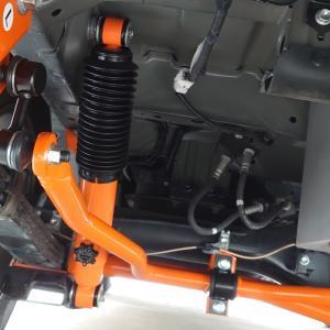 ハイエース200系ワイド 乗り心地改善 UIビークルのサス交換スタビライザー追加とアルミホイルに換装