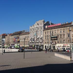 ブダペストの街角と世界一おしゃれなマクドナルド