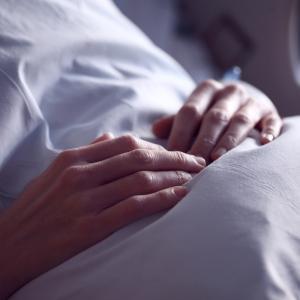 出勤前に胃が痛くなるほどの拒否感が身体に表れた時の対処法。