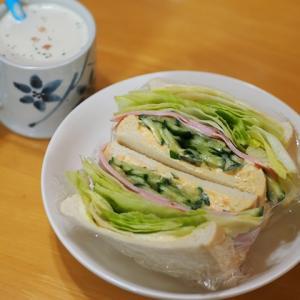 ボリュームレタスのサンドイッチ