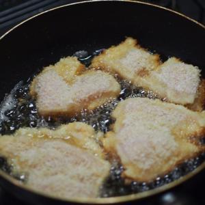 鶏むね肉のチキンカツとわかめとキュウリの酢の物