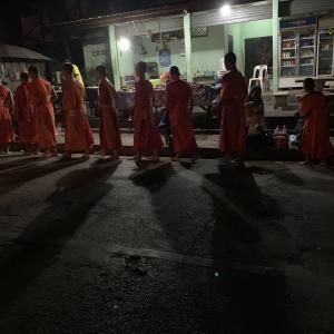 ラオス女子1人旅‼︎世界遺産の街ルアンパバーン④