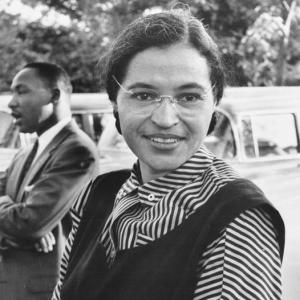 ローザ・パークス事件の解説と「公民権運動の母」ローザ・パークスの偉大な勇気と生き方について