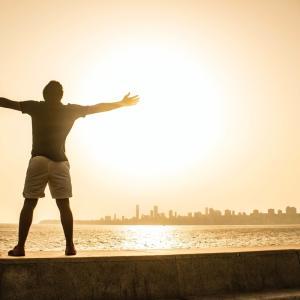 依存する生き方よりも自立する生き方のほうが楽