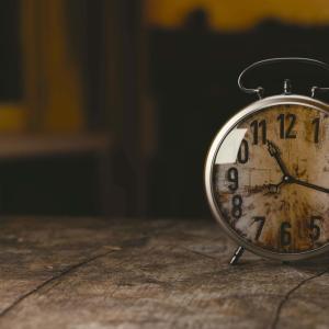 今に集中し過去は水に流して扉を閉めよ