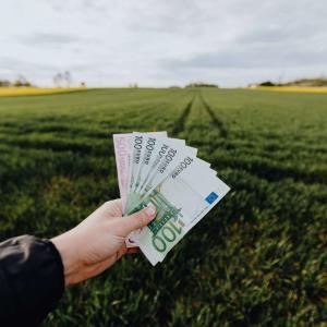 お金の集まる場所