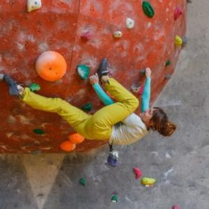 クライミングはどうしてコースが決められてるの?好きに登っちゃダメ?