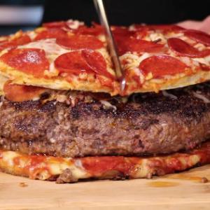 【画像】外人「日本のピザ高すぎ…しかもペラペラ、我が国のピザ見せたろか?」