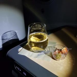 ANA機内販売の「村尾」をANAラウンジの「例のグラス」でいただく