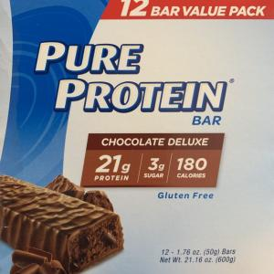 【iHerb】PURE PROTEIN BAR(Chocolate Deluxe)を食べてみた感想・口コミ