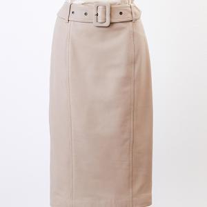 madamaH CLOSET「レザースカート2009(ベージュ)」どう着る?①