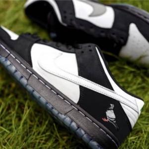 """1月6日(日)アプリ先行発売 Staple x Nike SB Dunk Low """"Panda Pigeon"""""""