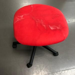 事務椅子も張り替えられます☺︎